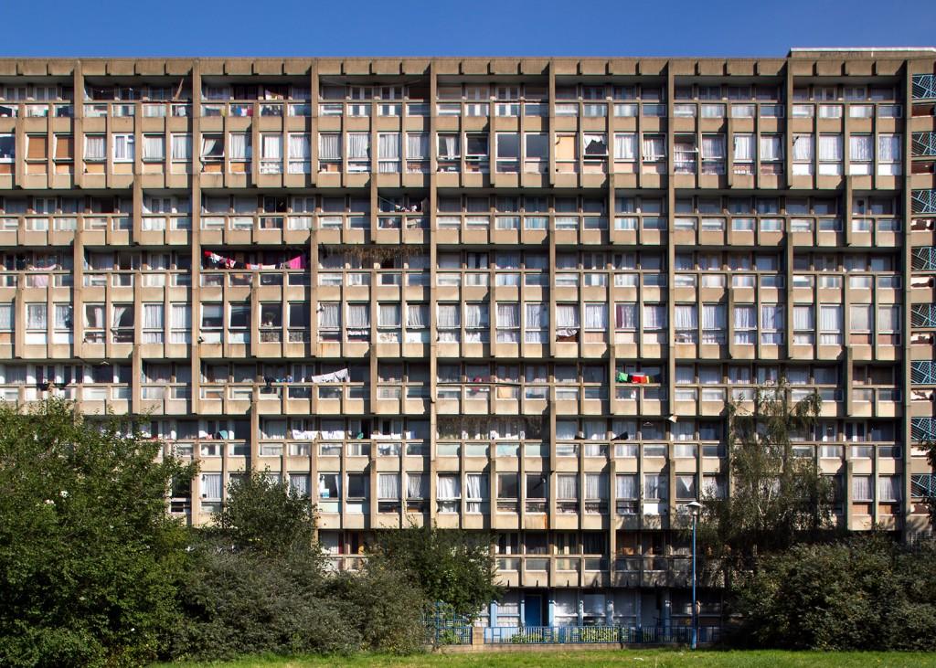haworth-tompkins-robin-hood-gardens-brutalist-estate-london-uk_dezeen_1568_2-1024x731